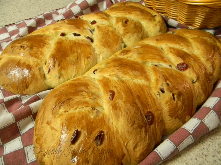 Finnish Sweet Cardamom Cranberry Bread