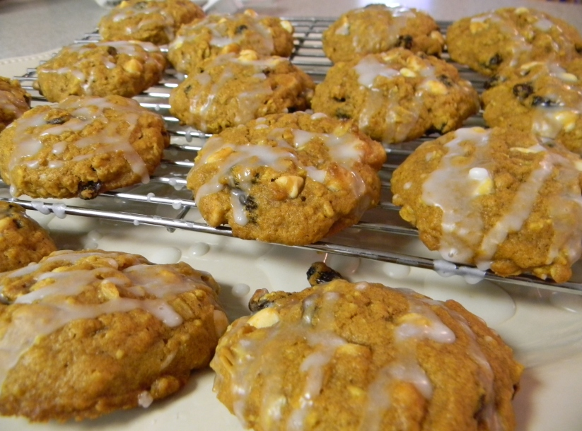 Pumpkin Oatmeal Raisin & White Chocolate Cookie