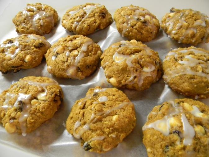 Pumpkin Oatmeal Raisin & White Chocolate Cookie