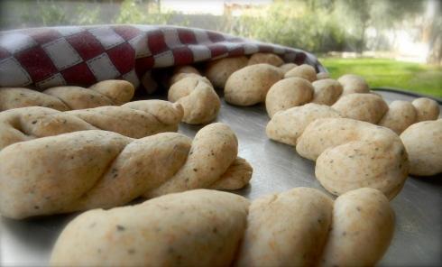 Basil & Wheat Bread Twist